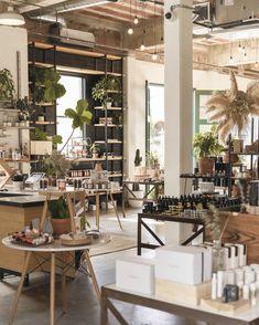 Retail Store Design, Retail Shop, Store Front Design, Retail Interior Design, Retail Boutique, Window Display Retail, Retail Windows, Retail Store Displays, Brick Store