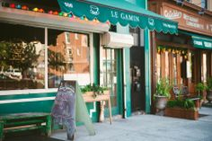 Francophiles swear by the understated takes on traditional french fare, from breakfast crepes and simple salads to herbed mussel pots. Simple Salads, Breakfast Crepes, Prospect Heights, French Bistro, Mussels, Pots, Traditional, Cold, Cookware