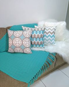 Living Room Decor Colors, Home Design Living Room, Couch Cushion Covers, Cushions On Sofa, Pinterest Room Decor, Classy Living Room, Glamour Decor, Home Decor Furniture, Sofa Design