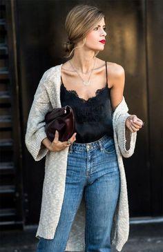 Street style look com clutch e jeans+ cardigan escolha o Seu
