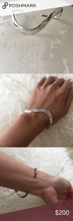 Modern & Sleek Hayner Sterling Silver Bracelet ✨Exquisite✨Modernist Handmade Wave Bracelet. Marked Hayner Sterling. Very Good Condition. Light Tarnish. Smooth, Feather Light on the Wrist. Received As a Gift more than 15 Years Ago. Excellent Representation of Modernist Movement - Bold and Sleek, Master Craftsmanship. Reasonable Offers Considered. Arrives Gift Wrapped. Jewelry Bracelets