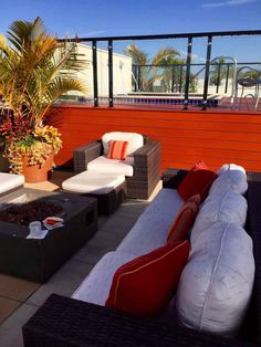 Inn on 5th is an esteemed Forbes Travel Guide 4-star rated hotel and the only luxury hotel located in the heart of downtown Naples. It is within walking distance of the beach, fantastic shops and amazing restaurants, and Tin City. For an enhanced experience, stay across the street at the Inn on 5th Club Level Suites, with a private rooftop deck (with pool and hot tub) and dedicated concierge lounge (great snacks and drinks).