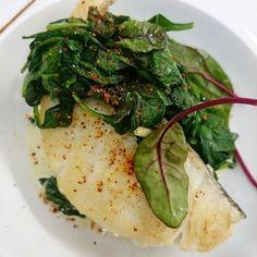 Cabillaud de Bretagne rôti et pousses d'épinards. #menubistronomique #épinard #cabillaud #Bretagne #Food #Foodista #PornFood #Cuisine #Yummy #Cooking