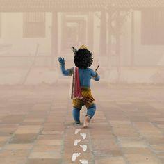 It's Krishna Jayanthi today!✨ (Also known as Krishna Janmashtami or Gokulashtami) is an annual Hindu festival that celebrates the birth of Krishna, the eighth avatar of Vishnu. Baby Krishna, Krishna Birth, Little Krishna, Cute Krishna, Krishna Names, Krishna Leela, Krishna Quotes, Radha Krishna Love, Shree Krishna Wallpapers