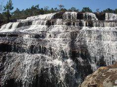 O Parque Estadual do Cerrado foi criado pelo Governo do Estado através do Decreto 1232, de 27 de março de 1992 com área de 420,4 hectares. Em 2007, pelo decreto 1527 de 02 de outubro, o parque foi ampliado, culminando com 1830,4 hectares, abrangendo inclusive terras do município de Sengés.