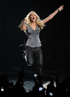 Carrie Underwood - 2010 CMT Music Awards - Show