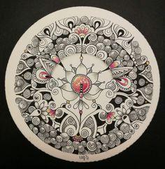 Miimis Zendala with Printemps Zentangle Drawings, Doodles Zentangles, Zentangle Patterns, Tangle Art, Dot Painting, Doodle Art, Tangled, Circles, Abstract Art