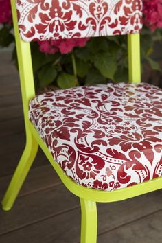 Cool way to recycle a vinyl tablecloth and an old chair.