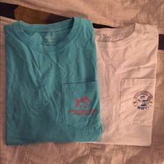Set of 2 Southern Tide Tees Both are size smalls. The white is in perfect condition, and the blue is in almost perfect condition, one small bleach mark towards the bottom of the back (pictures included). Southern tide Tops Tees - Short Sleeve