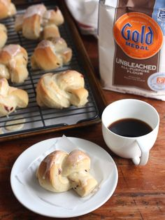 Cranberry-Orange Breakfast Knots from Completely Delicious. A perfect holiday breakfast! @Haley Grayless