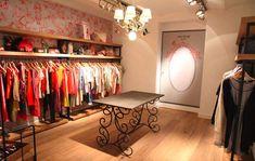 Reinventingshops - home Retail Interior, Cafe Interior, Shop Interior Design, Store Design, Display Design, Boutique Interior, Boutique Decor, Make A Closet, Dressing Room Closet