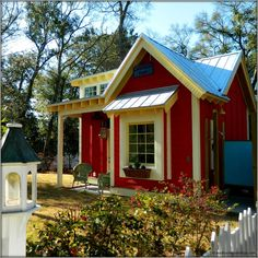 The Little Red Bungalow: Beautiful Tiny Cottage - Tiny House Pins Style Cottage, Red Cottage, Cozy Cottage, Cottage Homes, Cottage Ideas, Cottages And Bungalows, Cabins And Cottages, Little Cottages, Small Cottages