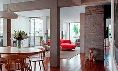 En Sao Paolo, encontramos este apartamento reformado de 190 m2. Pilares vistos y muros de hormigón dotan de personalidad a los espacios. Home Living Room, Living Room Decor, Bordeaux, Home Renovation, Valencia, Home Furniture, Interior Decorating, Sweet Home, Decoration