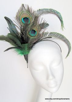 Jazz Age Lawn Party Peacock feather fascinator by doramarra Pfau Make-up, Peacock Costume, Peacock Tutu, Bird Costume, 1920s Flapper Costume, Feather Headpiece, Fascinator Headband, Lawn Party, Peacock Feathers