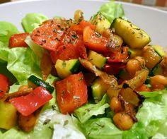 Zeleninový salát s cizrnou - skvělý #recept na osvěžující a jednoduchou večeři