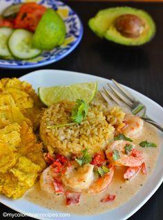 Camarones a la Criolla con Coco (Creole and Coconut Shrimp) by My Colombian Recipes Seafood Dishes, Seafood Recipes, Mexican Food Recipes, New Recipes, Cooking Recipes, Ethnic Recipes, Colombian Dishes, Colombian Cuisine, Vegetarian