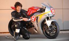 Gp Moto, Joes Bar, Guy Martin, Honda Cbr 1000rr, Motorcycle Racers, Isle Of Man, Road Racing, Cummins, Kareena Kapoor