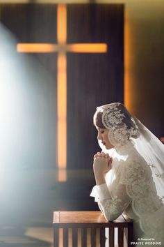 Believe in love! A beautiful, timeless bridal portrait that shows true love is worth the wait! » Praise Wedding Community