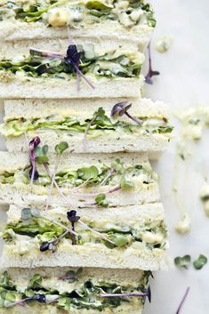 Tramezzini with salad and remoulade - Between two slices of toast are spicy remoulade, salad and radish. Tee Sandwiches, Sandwich Bar, Egg Salad Sandwiches, Healthy Sandwiches, Sandwiches For Lunch, Tea Recipes, Sauce Recipes, Sauce Tartare, Toast