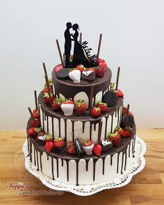 Wedding Cake Drip Cake with Oreos Wedding Cake Drip Cake . - Wedding cake drip cake with oreo Wedding cake drip cake with oreo You are in the rig - Oreo Wedding Cake, Strawberry Wedding Cakes, Cheesecake Wedding Cake, Purple Wedding Cakes, Fall Wedding Cakes, Wedding Cakes With Cupcakes, Elegant Wedding Cakes, Wedding Cake Designs, Elegant Cakes