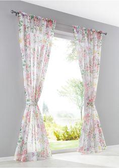 Bekijk nu:Dit luchtig lichte gordijn van voile haalt de lente in huis! De mooie bloemenprint all-over in decente pasteltinten zorgt voor een aangename sfeer in de woonkamer. Met de meegeleverde embrasse kun je het gordijn op verschillende manieren draperen.