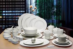 With a robust and timeless design, the Ariane Fine Porcelain Collection emerges as a Classic Paradigm for connoisseurs Of the Kitchen. Suitable for all fine Establishments of hospitality, Catering and Food & Beverage, this collection conforms to fulfill the demands of modern gastronomy, incorporating style, functionality, imagination and resilience