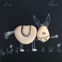13*13cm . Arkadaşım Eşşek (Barış Manço) . . . #donkey #animal #animalovers #blackwhite #instaanimal #walldecor #zaltana #handmade #stone #peble #pebbleart #pebbles #shellart #gift #giftideas #woodart #woodcraft #woodworking #pebbleartwork #stoneart #stone #stoneartwork #bohemian #bohemianstyle #zoo #nature #naturelovers #art #artistsoninstagram #minimalism #barışmanço