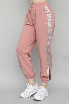 Stylish Work Outfits, Stylish Dress Designs, Sporty Outfits, Cute Casual Outfits, Stylish Dresses, Girls Fashion Clothes, Teen Fashion Outfits, Fashion Pants, Korean Fashion