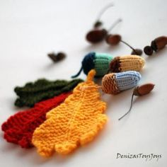 Acorns and oak leaves. Knitted Decoration.