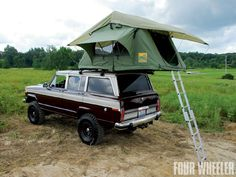 1988 Jeep Grand Wagoneer & Family Camper Rooftop Tent
