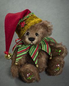 Candy Cane Kisses - about 10.5 inches - German Mohair. #artistbear #artistbears #teddybear #christmas #vickylougher Toy Corner, Disney Bear, Teddybear, Duffy, Stuffed Animals, Candy Cane, Kisses, Bears, German
