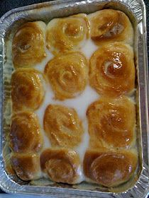 "I DIED: ""Samoan dessert called Pani Popo. It's a bun which sits in a pool of sweet coconut cream. It's delicious! I'm not sure of it's origin. Tongan Food, Samoan Food, Just Desserts, Delicious Desserts, Dessert Recipes, Yummy Food, Coconut Buns, Coconut Cream, Pani Popo"