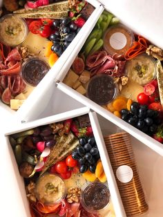Charcuterie Gift Box, Charcuterie Recipes, Charcuterie And Cheese Board, Cheese Boards, Party Food Platters, Cheese Platters, Grazing Food, Brie, Food Business Ideas