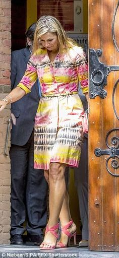 22 August 2017 - Queen Maxima visits Jessehof homeless centre in Delft - dress by Natan