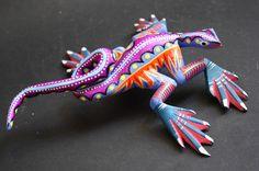 Alebrije ''Iguana'' Mexican Oaxaca handpainted Woodcarving