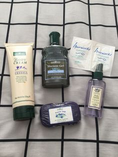 Bath & Body Works Freesia Giftset with Hairworks Sample