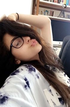 I lay on my bed making faces at the ceiling abd mumbling too myself I hear my… Cute Girl Photo, Beautiful Girl Image, Girl Photo Poses, Girl Photography Poses, Girl Poses, Massage Girl, Maggie Lindemann, Cute Girl Face, Stylish Girls Photos