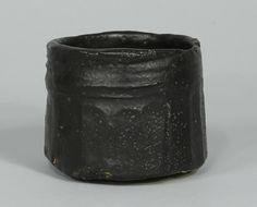 Kato ToKuro: Srdce asoprostoru click now to see more. Ceramic Cups, Ceramic Pottery, Pottery Art, Ceramic Art, Ceramic Design, Japanese Ceramics, Japanese Pottery, Modern Ceramics, Matcha