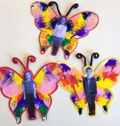 A butterfly project for preschool and elementary kids! Could use paint or feath.- Moi- A butterfly project for preschool and elementary kids! Could use paint or feath… A butterfly project for preschool and elementary kids! Could use paint or feathers. Kids Crafts, Summer Crafts, Arts And Crafts, Bug Crafts, Paper Crafts, Kids Diy, Butterfly Project, Butterfly Crafts, Butterfly Painting