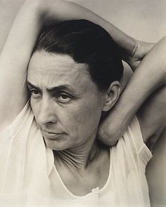 Georgia O'Keefe by Alfred Stieglitz. What stories to tell using photography, with the mature beings?