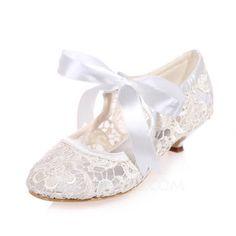Women's Lace Kitten Heel Closed Toe Pumps (047075213) - JJsHouse
