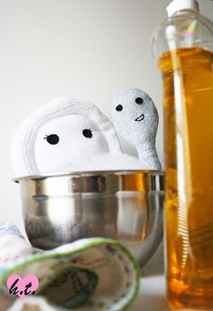 KITCHEN AND BATHROOM SPRAY: 1/2 tsp liquid castile soap 2 tbsp baking soda 2 tbsp vinegar 1 tsp orange essential oil 1 tsp grapefruit essential oil 2 cups water Mix ingredients in a large mixing bowl.  Let the mixture sit for 10 minutes before pouring into a spray bottle.  Note: When you mix the vinegar and baking soda, the mixture will foam.