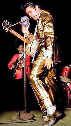 Love #Elvis gold lame suit