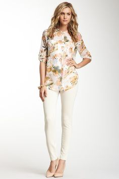 Back Pocket Skinny Pants// love the floral blouse as well//