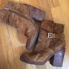 """Sam Edelman Booties Chunky Heel Super sexy brown booties by Sam Edelman! They have only been worn a couple of times but they are supposed to look more rugged. Heel is 4"""" Sam Edelman Shoes Ankle Boots & Booties"""