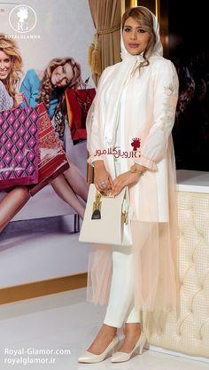 Iranian Women Fashion, Womens Fashion, Prom Night Dress, Hijab Fashion, Fashion Dresses, Sleeves Designs For Dresses, Mode Hijab, Fashion Sewing, Scarf Styles