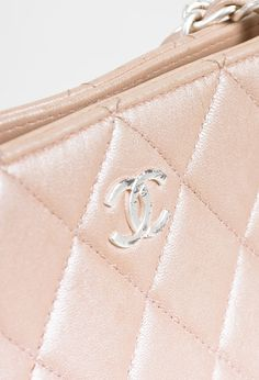 "Chanel 01P $795 ""Light Pink"" Lambskin Leather Quilted Silver Tone Chain Tote Bag $570.0"