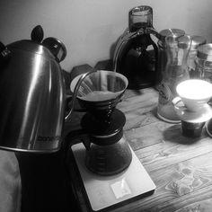 Good days start coffee and you. #manualbrew #v60 #bonavita #pourover #kopiindonesia #nongkrongjogja http://ift.tt/20b7rle