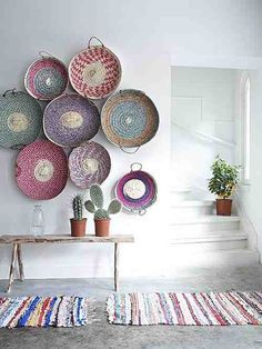 bohemian+decor+-+bohemian+interior+design+-+eclectic+decor+-+interior+design+-+decor+-+living+room+design+-+woven+baskets+-+wall+baskets+-+wall+art+-+cactus+via+Pinterest.jpg (500×667)