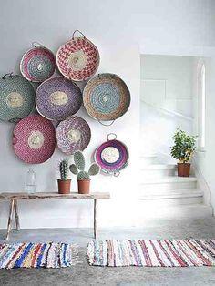 bohemian+decor+-+bohemian+interior+design+-+eclectic+decor+-+interior+design+-+decor+-+living+room+design+-+woven+baskets+-+wall+baskets+-+wall+art+-+cactus+via+Pinterest.jpg (500×667)                                                                                                                                                      Más